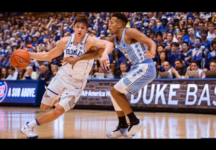 Duke le pega a North Carolina