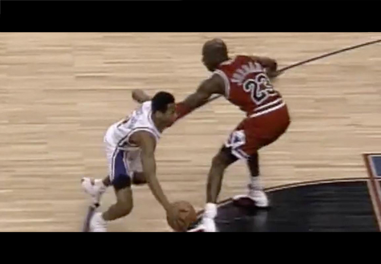 El crossover a Jordan, la jugada favorita de Iverson