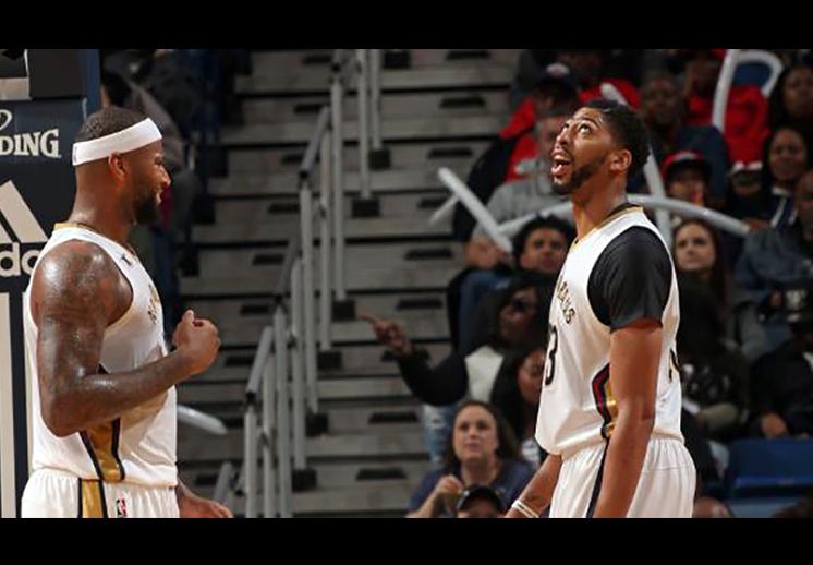 La volcada de basquet de Anthony Davis a pase de Cousins