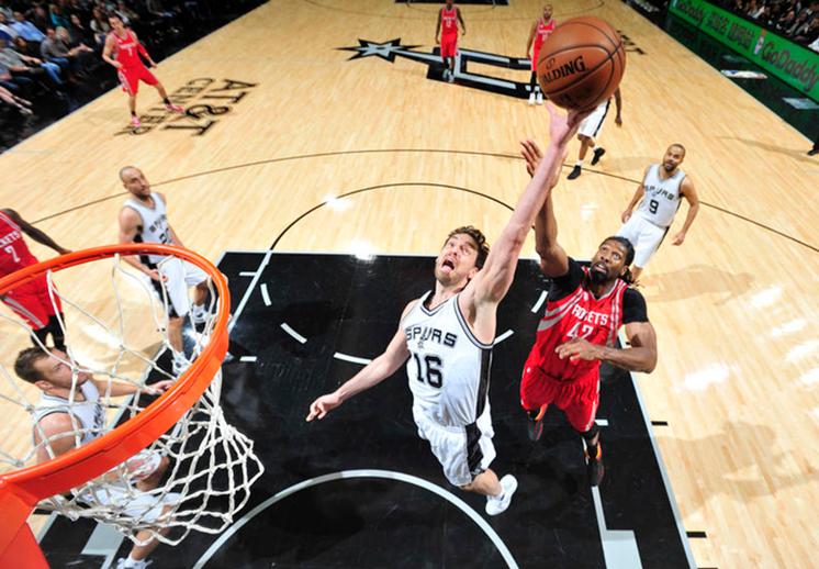 Los Rockets y Spurs dieron un adelanto de la postemporada