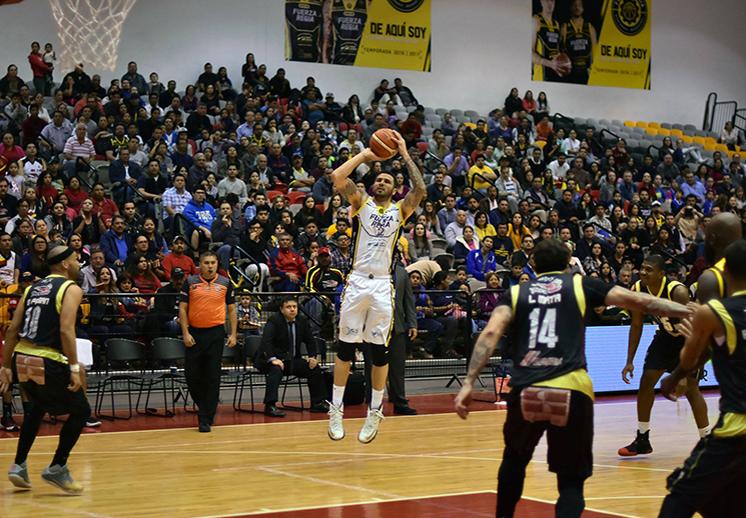 , Fuerza Regia empata la serie en los playoffs de la lnbp