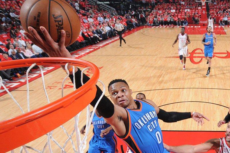 Russell Westbrook: un nuevo triple doble, otra derrota