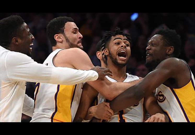 D'Angelo Russell fue el héroe de los Lakers