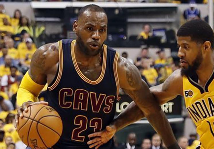 Otra noche de récords para LeBron James