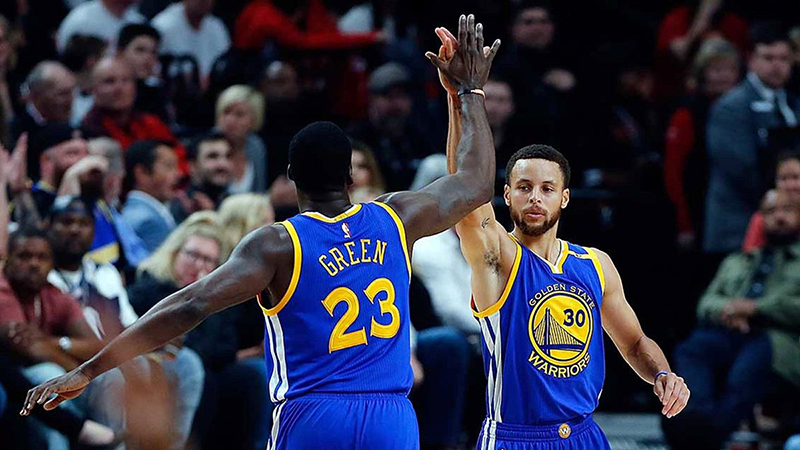 Los Warriors barrieron a Portland