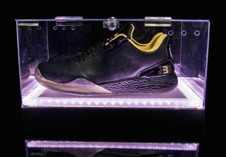 Lonzo Ball lanzó su propio modelo de sneakers