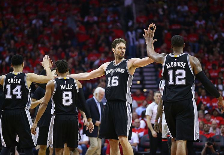 Los Spurs llegan a su 1era final de conferencia desde 2014