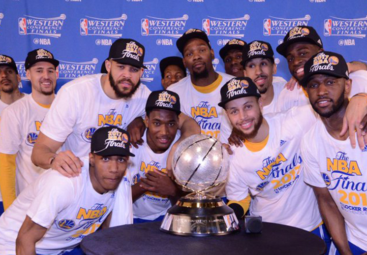 Se consumó la barrida de los Warriors sobre los Spurs