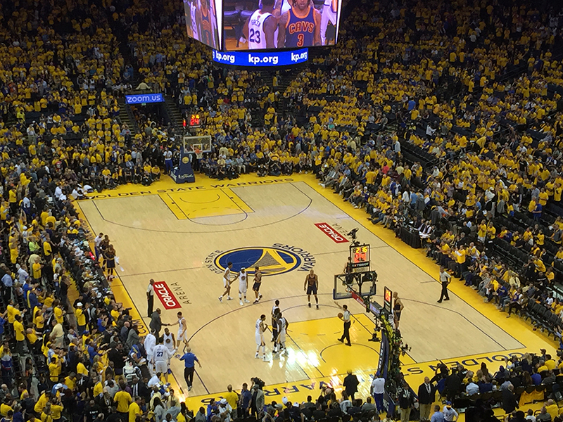 Warriors arrollaron a los Cavs en el Juego 1 foto 2