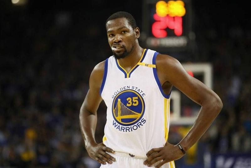 Kevin Durant es uno de Los atletas mejor pagados del 2017 por viva basquet