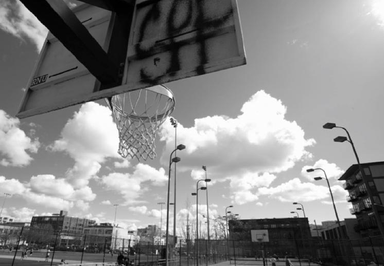 El basquetbol para salir del vecindario
