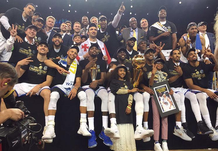 Nuevo rey en la NBA, Warriors son campeones
