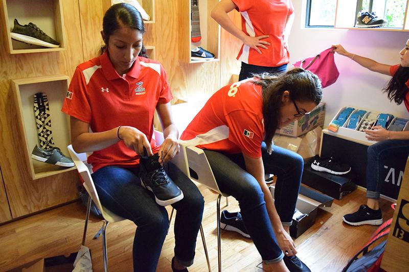 SNKR LAB le dio un regalazo a las seleccionadas mexicanas de basquetbol foto 4