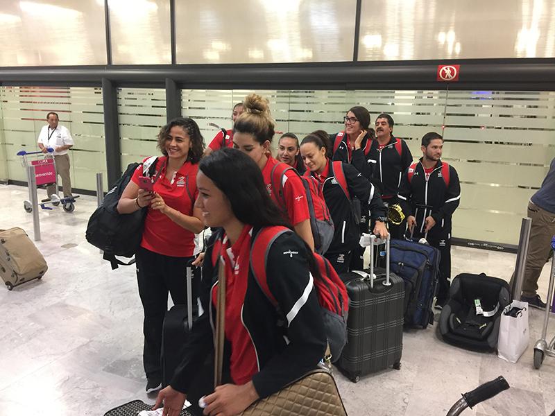 Feliz regreso a casa de la Selección Femenil de Basquetbol foto 3