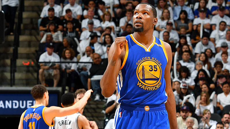 Kevin Durant aceptó descuento y sigue con Warriors foto2
