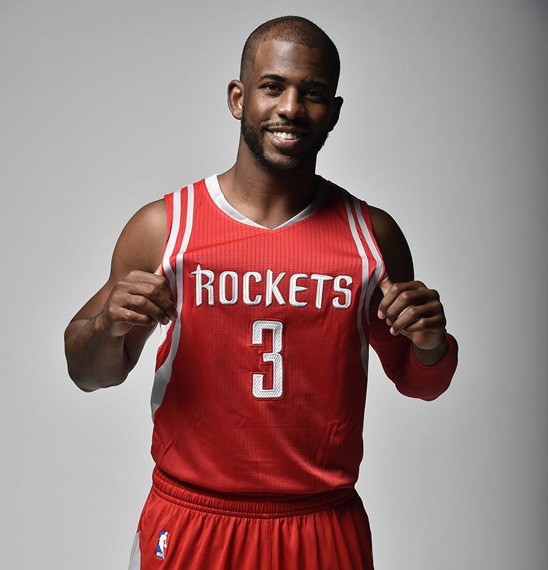 Chris Paul ya luce con los Rockets