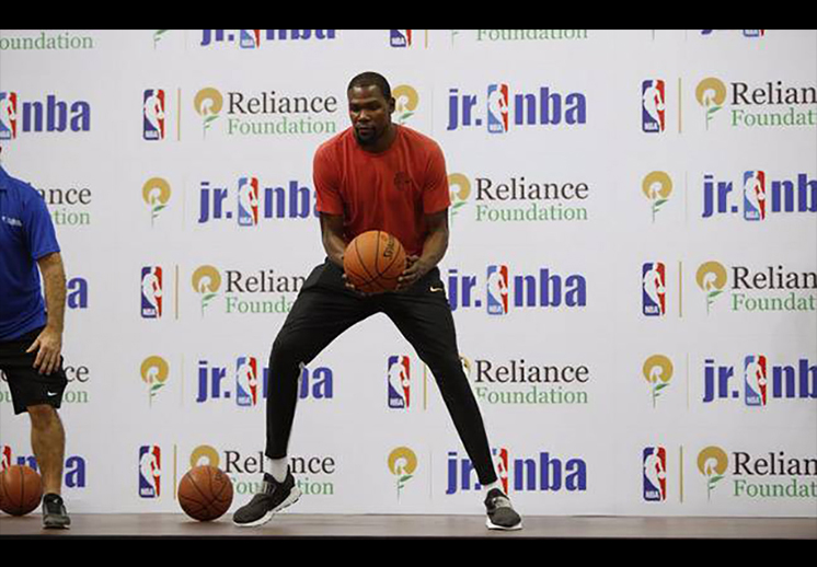Kevin Durant impuso récord Guinness en la India