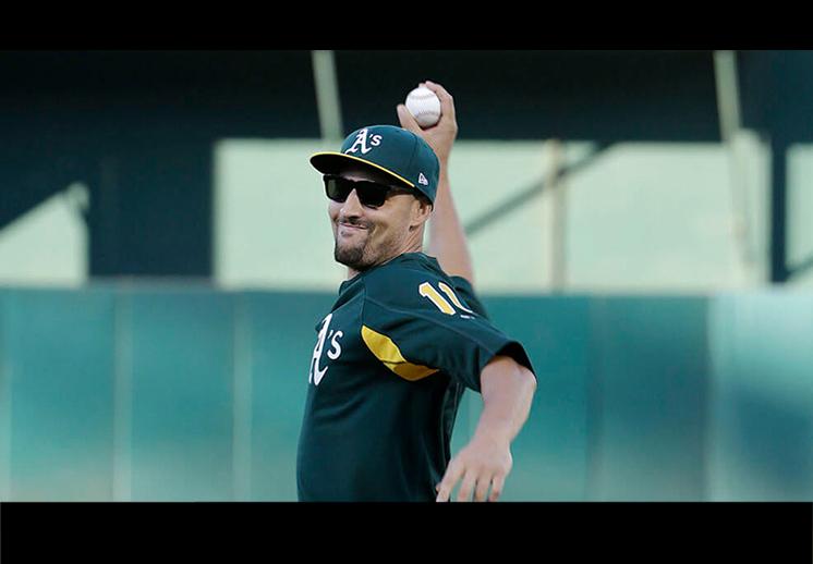 Klay Thompson y sus dotes de pitcher