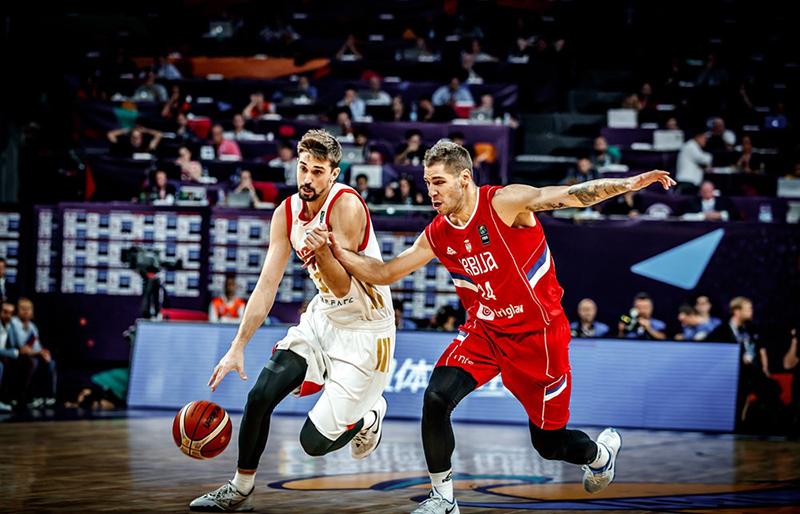 Serbia va por el título del Eurobasket foto 3
