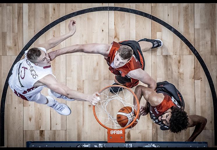 Los Gasol y Porzingis arman show en el Eurobasket