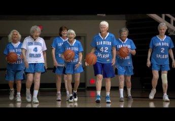 Las San Diego Spash el equipo de señoras de más de 80 años