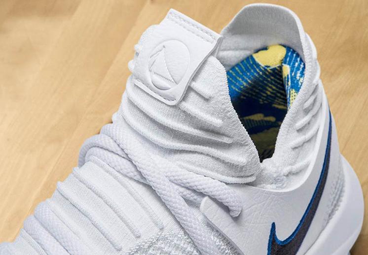 Los primeros sneakers Nike con el logo de un equipo de la NBA.