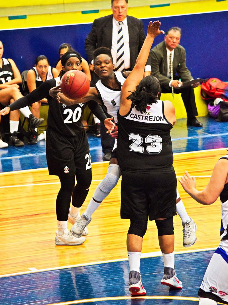 Entrevista a Melissa Diawakana por diana orozco en viva basquet FOTO 2
