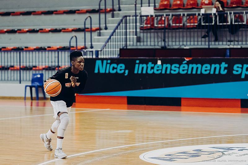 Entrevista a Melissa Diawakana por diana orozco en viva basquet FOTO 4