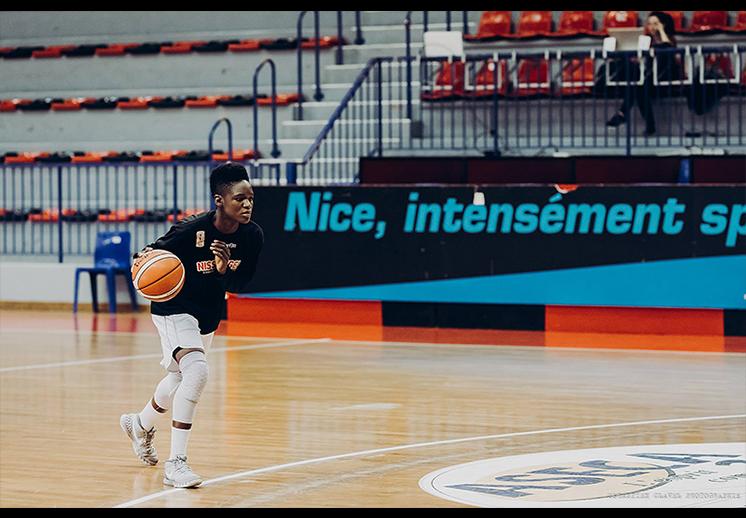 Entrevista a Melissa Diawakana por diana orozco en viva basquet FOTO 5