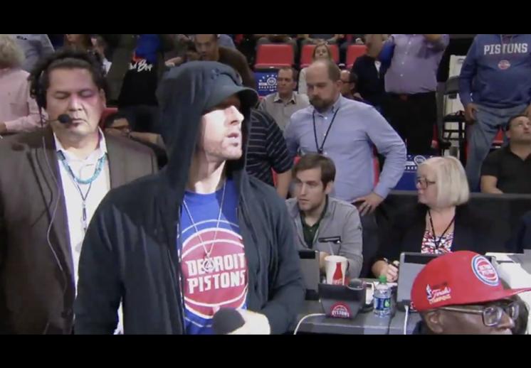 Eminem mostró su amor por los Pistons
