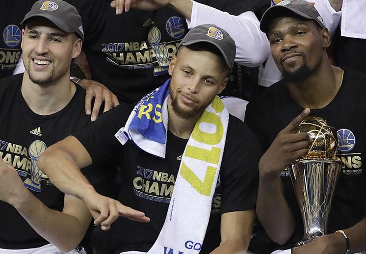 LeBron y los Warriors son los grandes favoritos