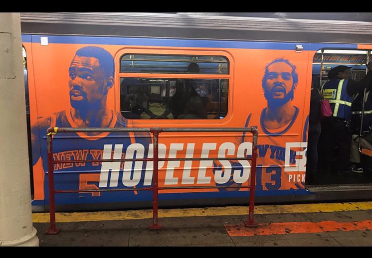 publicidad de los knicks en el metro de NY