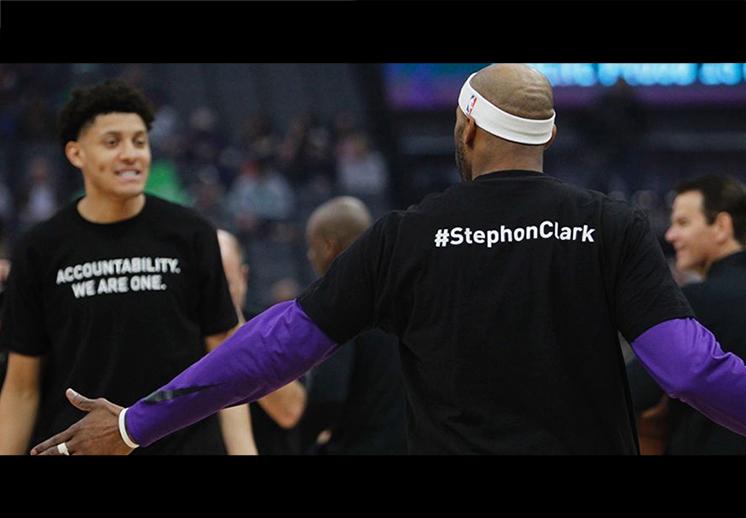 Kings y Celtics se unieron para recordar a Stephon Clark