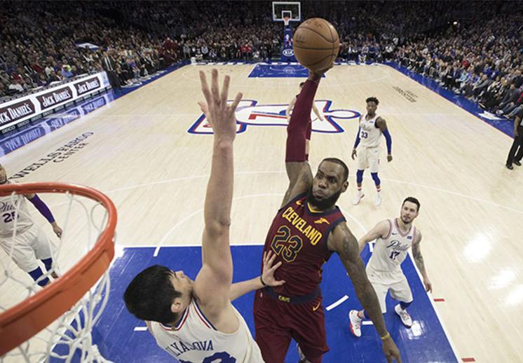 Festival de clavadas en el cierre de la NBA