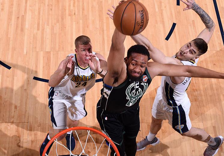 Las 10 mejores del domingo en la NBA