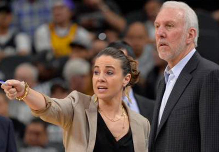 Los Bucks buscan a Becky Hammon