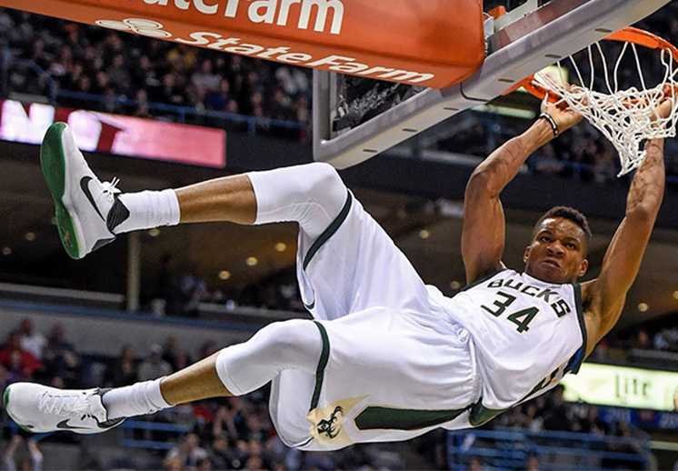 El Greek Freak, un maestro del aire