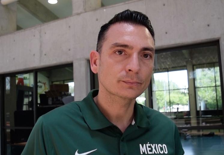 Sergio Molina, del basquet colegial a los 12 Guerreros