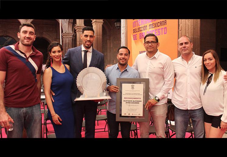 Homenaje a Gustavo Ayón en la capital michoacana