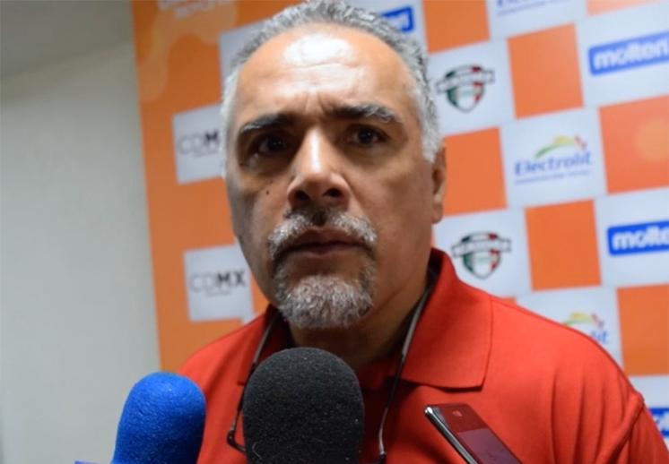 El coach Gerardo Guzmán dio la cara por las 12 Guerreras