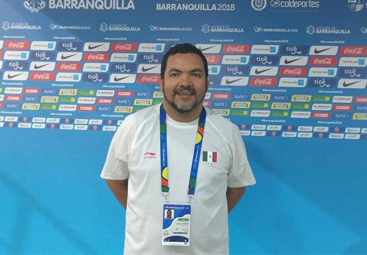 El coach Tomás Canizalez lucha por dejar huella en el basquetbol