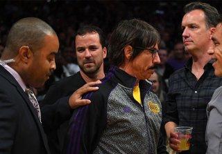 El último expulsado de la pelea entre Rockets y Lakers