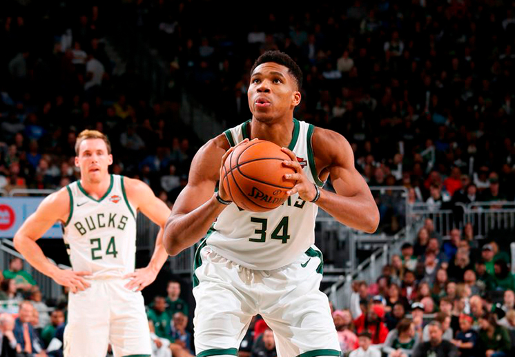 Los Bucks de Milwaukee con paso arrollador