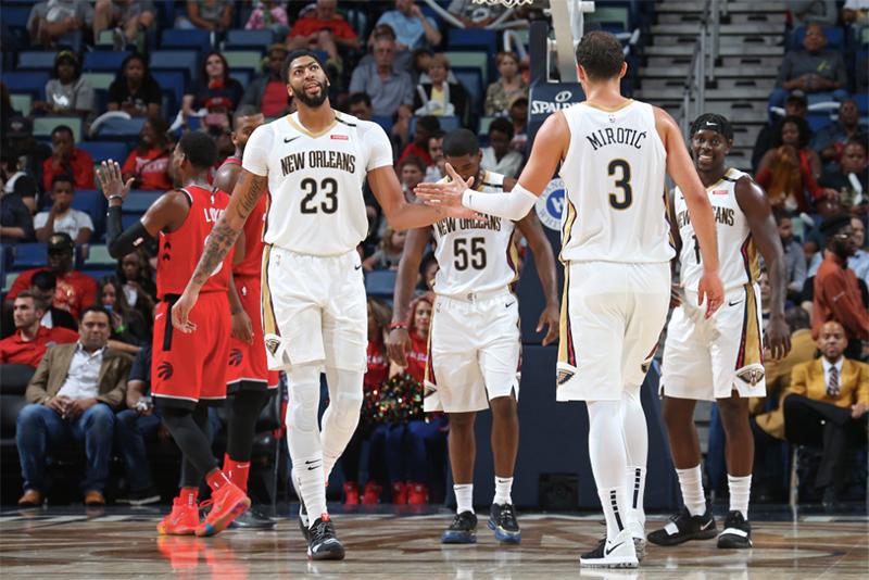 Magic y Pelicans sorprendieron en su debut
