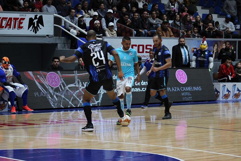 Gallos y Libertadores frente a frente