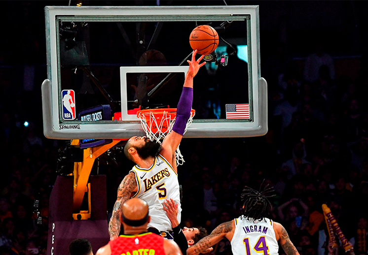 Tyson Chandler ya rinde frutos con los Lakers