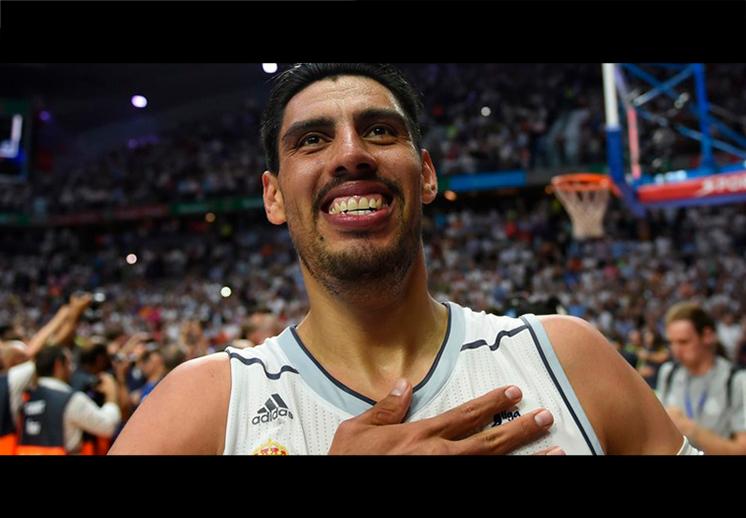 Gustavo Ayón y su apoyo al basquet mexicano