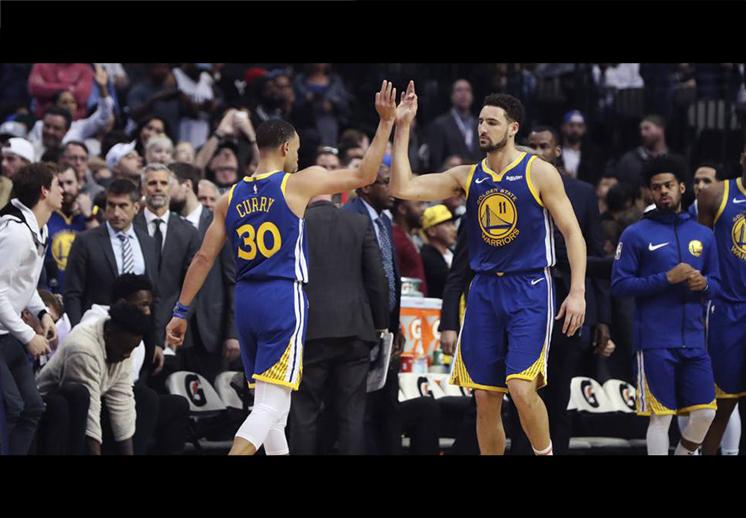 Warriors aplastaron a los Nuggets