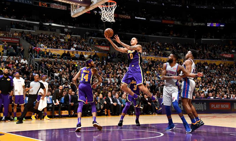 Kuzma toma las riendas de los Lakers