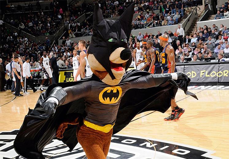 Los Spurs y sus problemas con los murciélagos